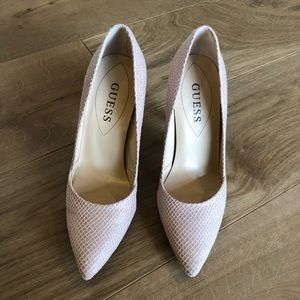 """Guess pointed toe 4"""" heels"""